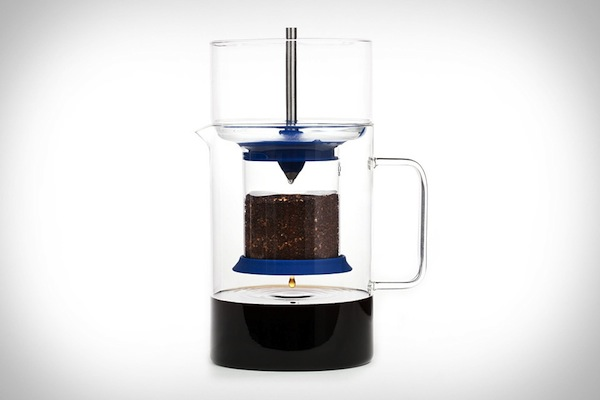 Sleek & Affordable Coffee-Maker Lets You Enjoy Cold Brew Coffee At Home
