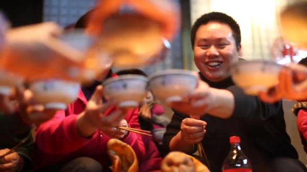 Coca-Cola Reunites Migrant Workers & Their Families For Chinese New Year