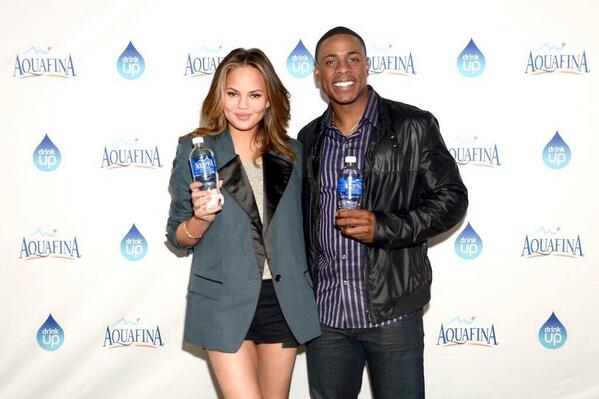 "Aquafina Bats with Curtis Granderson & Chrissy Teigen to Encourage Fans to ""Pledge. Drink. Win!"""
