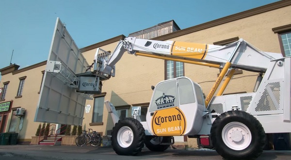Corona's Clever Outdoor Stunt Sees The Light In Toronto