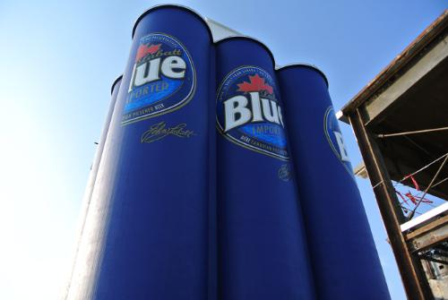World's Largest Six-Pack of Beer in Buffalo, NY?