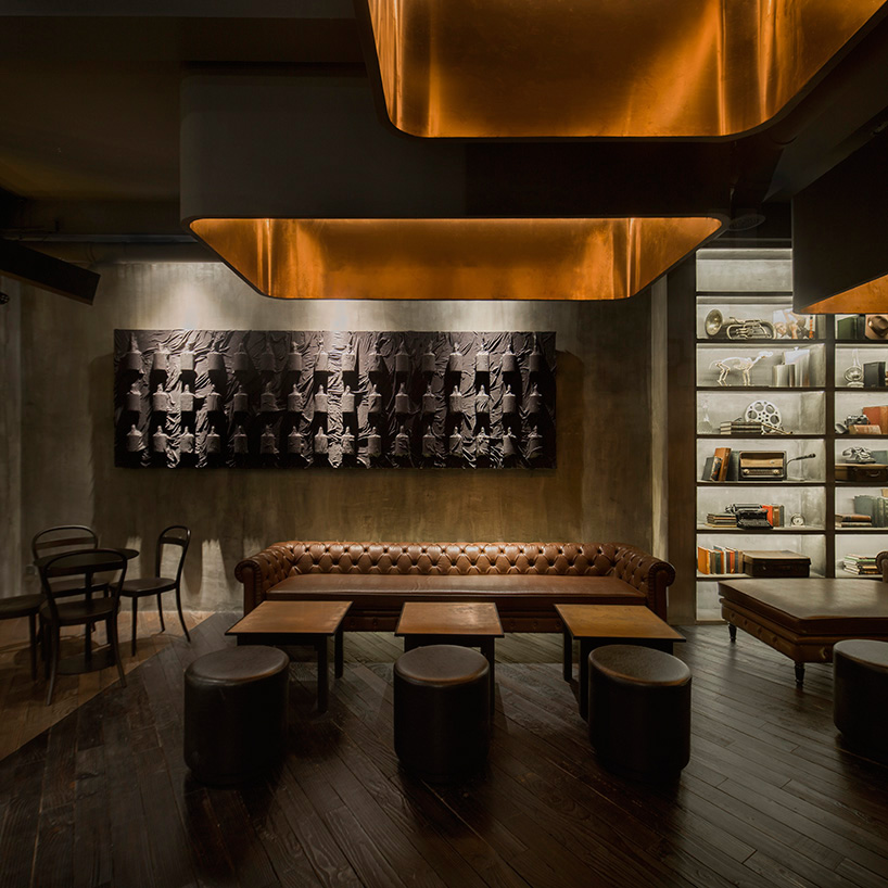 alberto-caiola-the-press-flask-bar-inside-vending-machine-shanghai-china-designboom-06