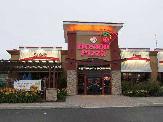 Boston Pizza's New Brand Positioning Promises 'We'll Make You A Fan'
