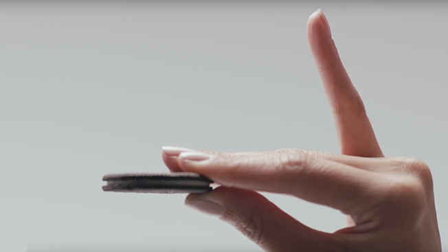 Oreo Created An Ode To The Pinkie For Its New Thin Cookie