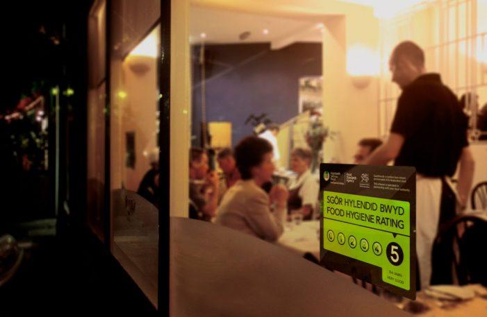 Diners Demand that Restaurants Display their Food Hygiene Ratings
