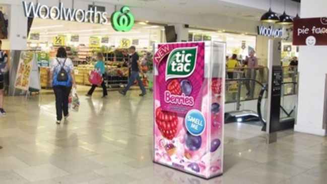 Tic Tac Boxes Take Over Australian Shopping Centres with Berry Scent
