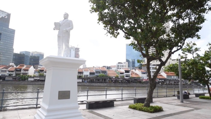 Colonel Sanders Joins the Four Founding Fathers of Singapore in New OOH Campaign