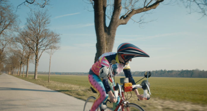 Serviceplan Creates Witty 'Be Maximal' Campaign for MAXIMAL G